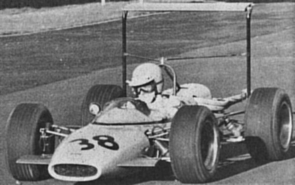 Imp-powered F4 Vixen, Bernard Unett 1968